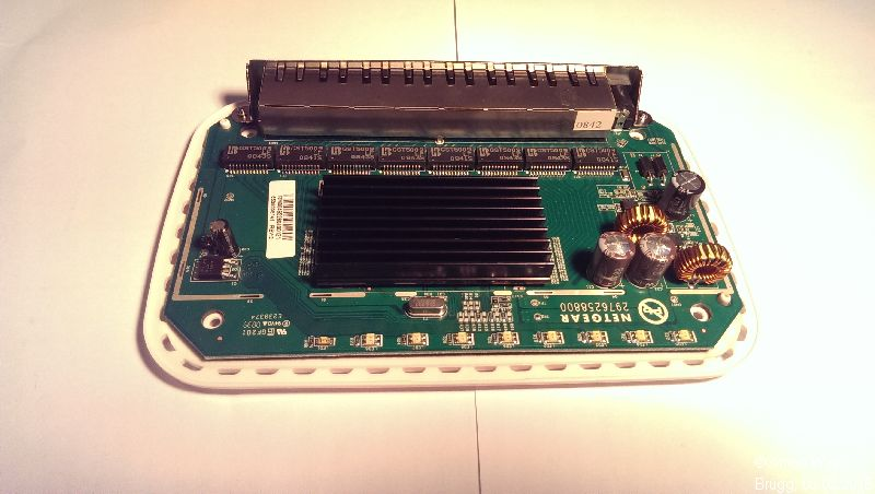 Netgear GS608 v2 inside